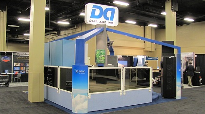 Trade Show Booth Loop : Interactive trade show displays captivate the crowd nimlok